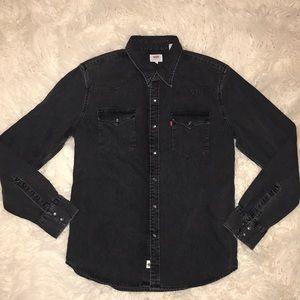 Levi's Denim button you shirt size M